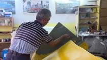 KOLTUK TAKIMI - 'Klasik Araba' Görünümlü Koltuk Takımı Ve Çalışma Masası Üretiyorlar