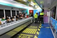 EĞITIM İŞ - Niğdeli Öğrenciler Trafiği Mobil Trafik Eğitim Tırı İle Öğreniyor