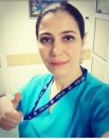 TEMİZLİK GÖREVLİSİ - Oğlu Tarafından 11 Kez Bıçaklanan Kadın Çalıştığı Hastanede Yaşam Mücadelesi Veriyor