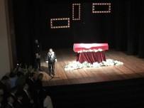 Yıldız Kenter İçin Kenter Tiyatrosu'nda Tören Düzenlendi