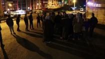 Karabük'te Elektriksiz Kalan Site Sakinleri Müteahhide Tepki Gösterdi