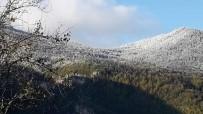 Mevsimin İlk Karı Düşen Hacıağaç Dağı'nda Kartpostallık Görüntü