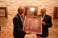 Tarsus'taki 'Hatıra Mendiller' Sergisine Büyük İlgi