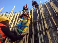 7 Metreden Kuyuya Düşen İşçiyi İtfaiye Kurtardı