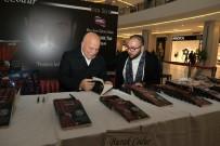 TAPU KADASTRO - Yazar Burak Codur Kitabını İmzaladı