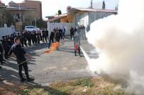 CEZAEVİ MÜDÜRÜ - Cezaevi İnfaz Koruma Memurlarına 'Afet Bilinci Ve Yangınlara Müdahale' Eğitimi Verildi