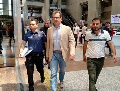 Cumhuriyet gazetesi davasında Kadri Gürsel'e beraat