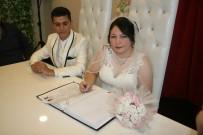 GELİN ARABASI - Denizli'de Öksüz Çifte 'İmece' Usulü Düğün