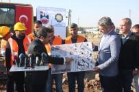 GAZİ YAŞARGİL - Diyarbakır Büyükşehir Belediyesi, Eğitim Ve Araştırma Hastanesi Girişini Yeniliyor