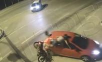 Motosikletli sürücülerin ölümden döndüğü anlar!