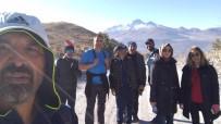 AHMET KARAKAYA - Öğretmenler Ara Tatilde Doğa Yürüyüşü Ve Tırmanış İle Stres Attı