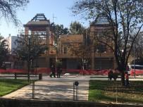 KAÇAK YAPILAŞMA - Belediyenin Kaçak İnşaatı Mühürlendi