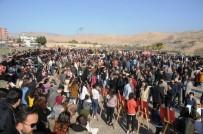 RESIM SERGISI - Öğretmen Ve Öğrenciler Ara Tatilde Stres Attı