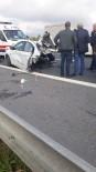 KAVACıK - TEM Otoyolu'ndaki Feci Kazada Otomobil İkiye Bölündü