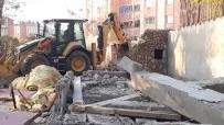 Bingöl'de Kaçak Yapı Yıkıldı