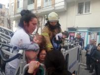 Esenyurt'ta Yangın Paniği Açıklaması Bebekli Aileler Mahsur Kaldı