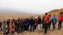 Öğretmenler Günü'nü Kızıldağ'ın Zirvesinde Kutladılar