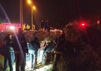PıNARKENT - Şarampole Devrilen Otomobil Sürücüsü Yaralı Kurtarıldı
