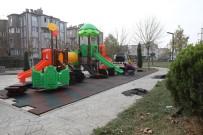 YAĞCıLAR - Adapazarı'nda 30 Farklı Bölgeye Yeni Çocuk Parkı