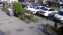 Esenyurt'ta İki Grup Arasında Çıkan Silahlı Çatışma Kamerada