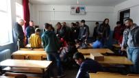 BOSPHORUS - Farklı İllerden Isparta'ya Gelen Motosikletçilerden Öğrencilere 'Isıtan' Destek
