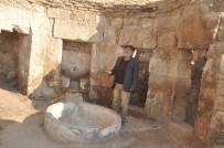 SELÇUKLULAR - Harran Kazılarında Cami, Medrese, Okul Ve Hamam Kalıntılarına Ulaşıldı