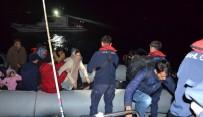 KAÇAK GÖÇMEN - İzmir'de 61 Kaçak Göçmen Yakalandı