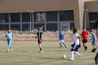 FUTBOL TURNUVASI - Niğde'de Uluslararası Öğrenciler Futbol Turnuvası Başladı