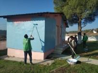 ÖRENCIK - Öğretmenler Gününde Köy Okulunu Boyadılar