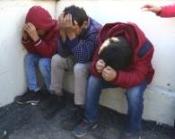 İBRAHIM AYDEMIR - Protokolle Futbol Oynayamayacaklarını Öğrenen Çocuklar Hüngür Hüngür Ağladı
