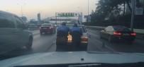 Yoğun Trafikte Yolda Kalan Otomobili Zabıtalar Kurtardı