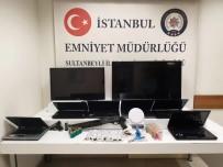İstanbul'da Okulda Hırsızlık Yapan Şahıs Yakalandı