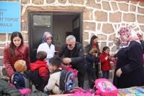 ŞEHİT BABASI - Şehit Ailesinden Öğrencilere Yardım