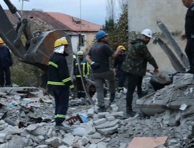 Arnavutluk'ta 5,6 büyüklüğünde bir deprem daha!