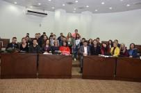 HıRISTIYAN - Avrupa'dan Gelen Öğrenciler Başkan Özcan'ı Ziyaret Etti
