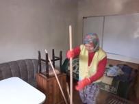 Burhaniye'de Evlere Belediye Temizliği