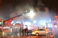 Güngören'de Bin Metrekarelik Tekstil Atölyesinde Yangın Açıklaması 2 Yaralı