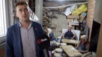 ERMENEK - Muhtar, Yaşlı Kadınların Kışlık Ekmek Hamurunu Yoğuruyor