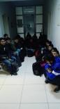 KAÇAK GÖÇMEN - Polisi Görünce Kaçak Göçmenleri Bırakıp Kaçtı