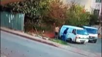 Sancaktepe'de İnşaat Demiri Çalan Hırsızlar Önce Kameraya Ardından Polise Yakalandı