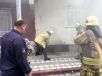 Sultangazi'de Aynı Mahallede Bir Saat Arayla İki Yangın