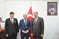 HASAN ALİ YÜCEL - Türk Dili Ve Edebiyatı Öğretmeni Veli Üstün'e Mansiyon Ödülü