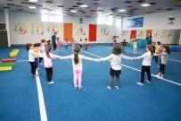 ÇOCUK OYUNLARI - 4 Yaşındaki Miniklere Dört Dörtlük Spor Eğitimi