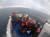 Ayvalık'ta 35 Düzensiz Göçmen Sahil Güvenlik Ekiplerine Yakalandı
