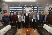 Balkan Göçmenleri Derneği'nden Kazım Kurt'a Teşekkür Ziyareti