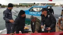 BALIK TUTMAK - Denizde Mahsur Kalan Balıkçıları Polis Kurtardı