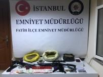 BONZAI - Fatih'te Uyuşturucu Ticareti Yapan Şahıslara Operasyon Açıklaması 3 Gözaltı