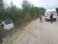 Turistleri Taşıyan Otobüs Şarampole Düştü
