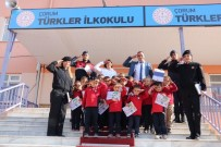 Kitap Bağışı Yapan Mehmetçiğe Asker Selamlı Teşekkür