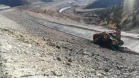 ORMAN İŞÇİSİ - Sarıkamış'ta Trafik Kazası Açıklaması 1 Ölü, 1 Yaralı